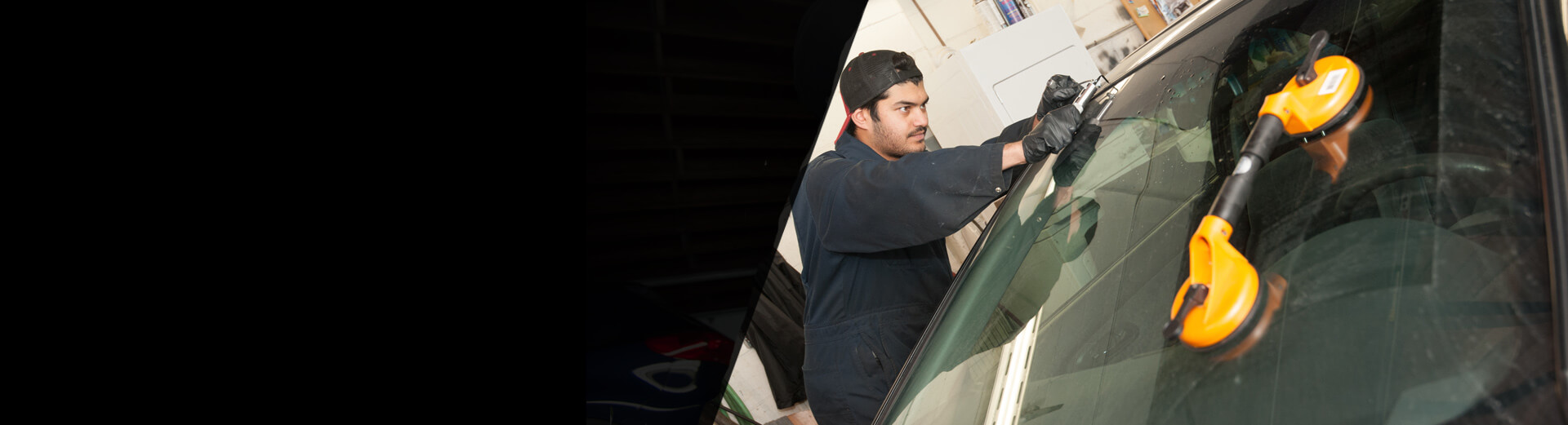 <i>Auto Glass Repair</i>